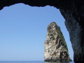 Paxos Westküste, Meereshöhlen und -grotten