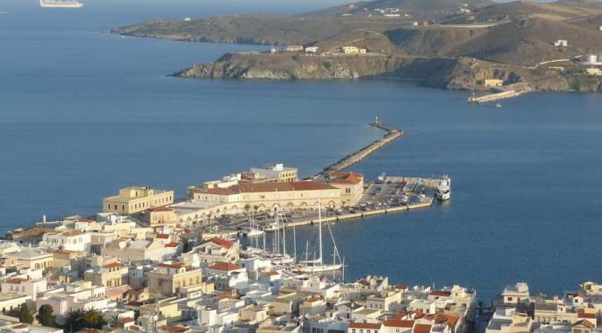 Syros -Blick auf Ermoupoli von der Kirche Anastasis