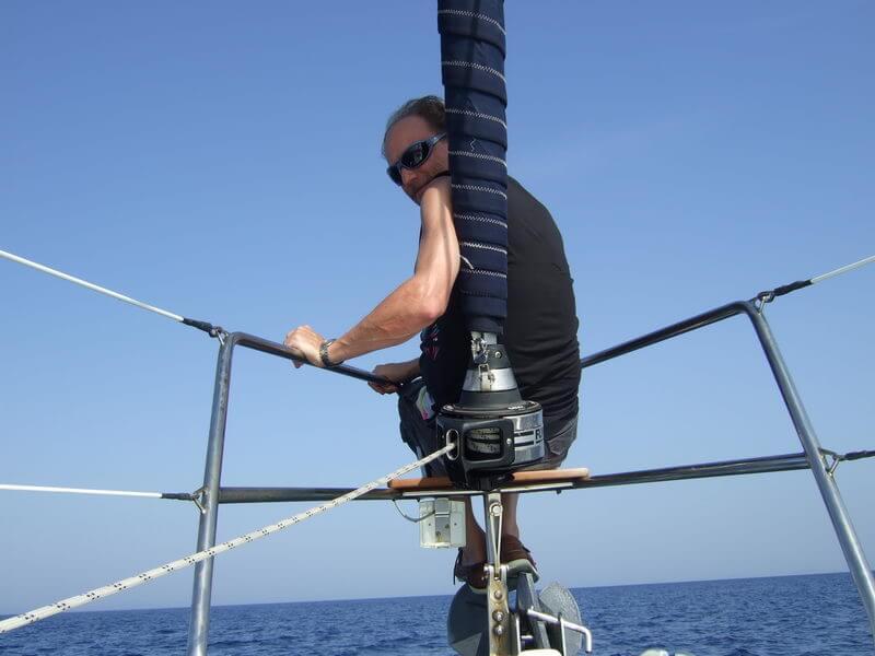 Coskipper Klaus während der Überfahrt nach Leros