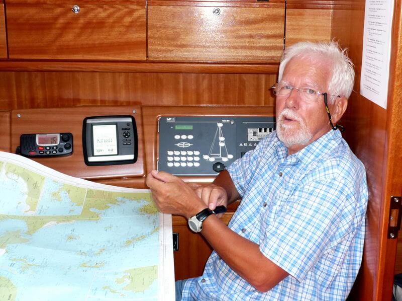Skipper Günther bei der Planung