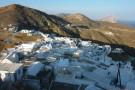 Blick vom höchsten Punkt auf das Dorf.