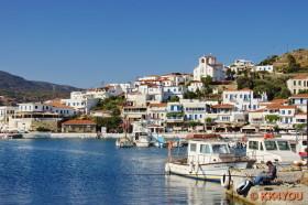Andros -Hafen Batsi