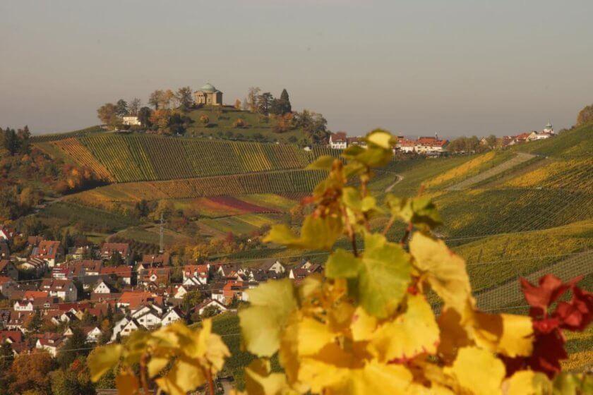 Radtour zwischen Schurwald und Remstal -Blick auf die Grabkapelle