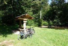 Radtour zwischen Schurwald und Remstal -Weiher am Kaisersträßle bei Baltmannsweiler