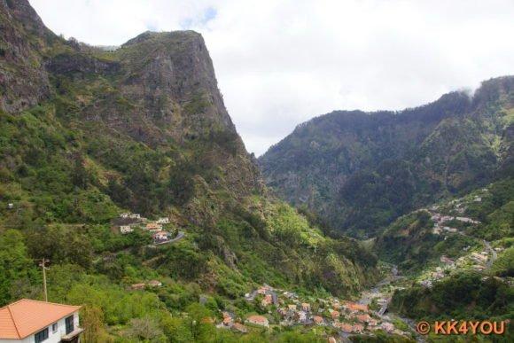 Am Berg das Hotel Eira do Serrado