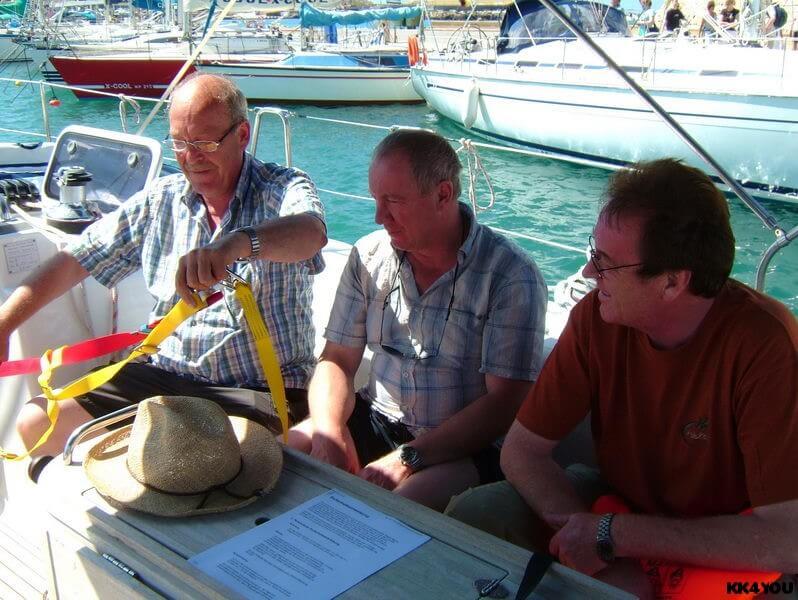 Törn zwischen Rhodos und Kos:: Sicherheitsunterweisung durch Skipper