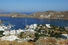 Blick von der Chora auf den Hafen