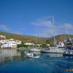 Loutra, voller Hafen am Wochenende