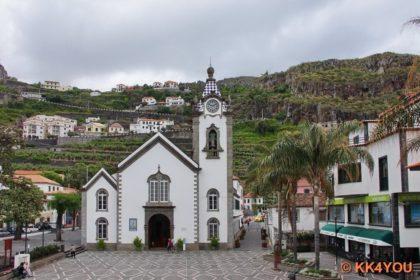 Kirche São Bento mit ihrer blau weiß gekachelten Turmspitze