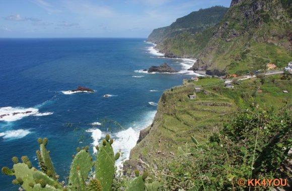 Madeiras Nordküste -Küstenstraße zwischen São Vicente und Ponta Delgada