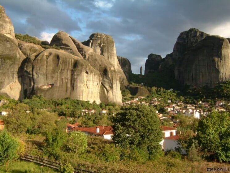 Meteora Klöster: Blick vom Dupiani House auf die Klöster