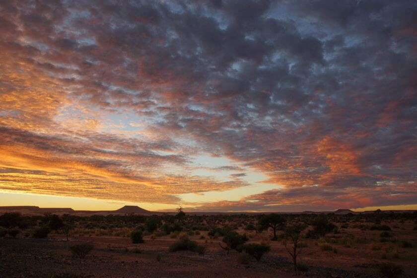 Sonnenaufgang auf der Lodge Alte Kalköfen, Farbenpracht am Himmel