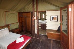 Kalahari Tended Camp, Schlafzelt mit Badanbau