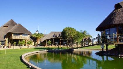 Blick auf das Hauptgebäude der Lapa Lange Lodge