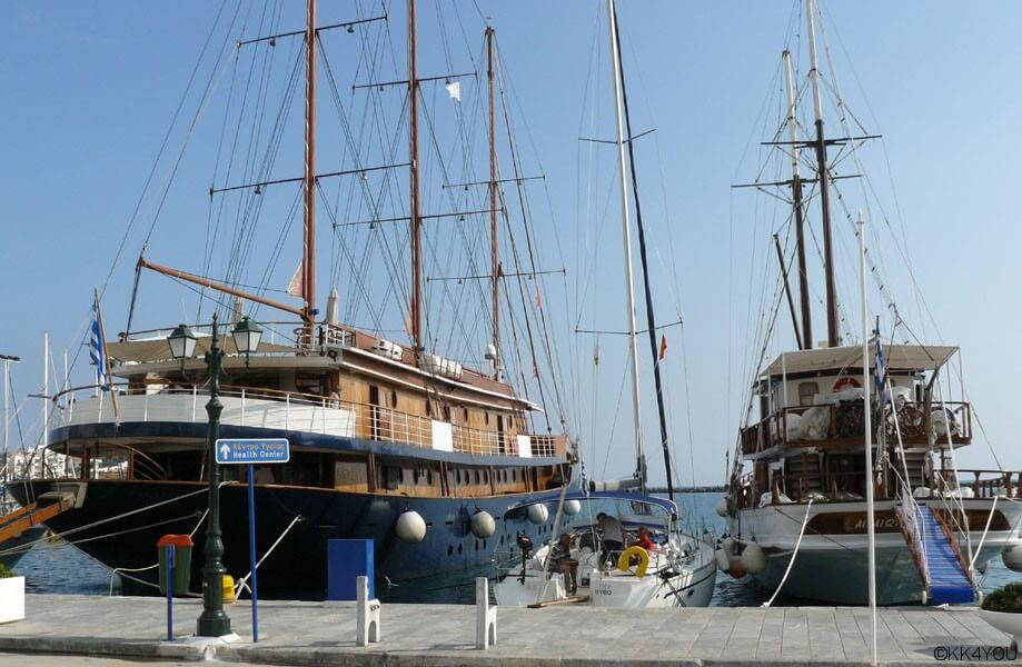 Tinos -Hafen, alte Segler