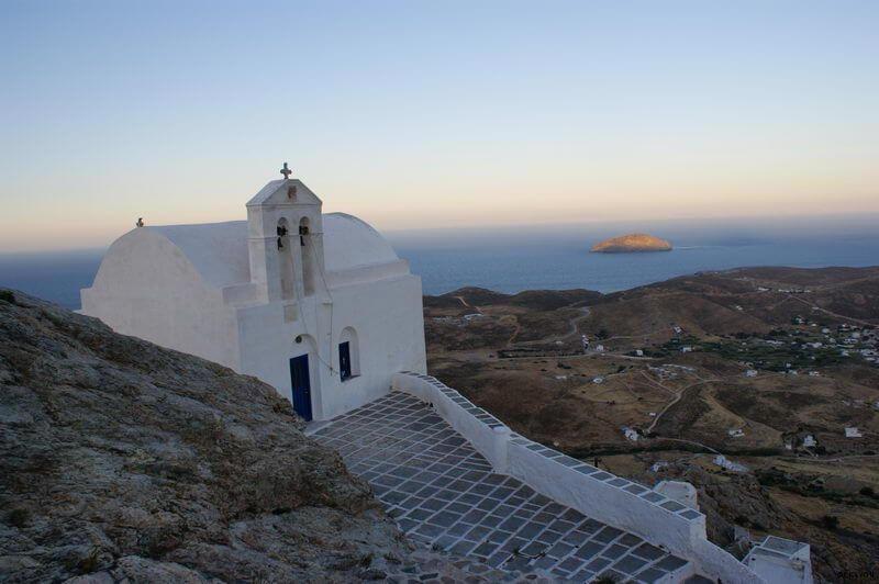 Serifos -Chora, Panoramalage in luftiger Höhe