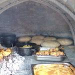 Olymbos -frisches Brot und andere Leckereien aus dem Steinofen