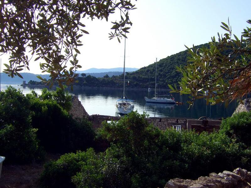 Kalamos -Hafen Leone, das verlassene Dorf